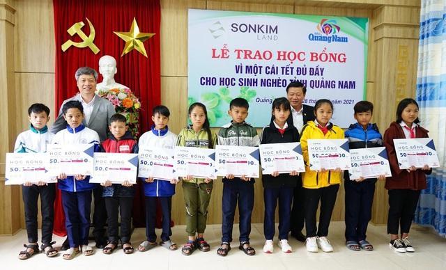 SonKim Land trao học bổng vì một cái tết đủ đầy cho học sinh nghèo tỉnh Quảng Nam - Ảnh 2.