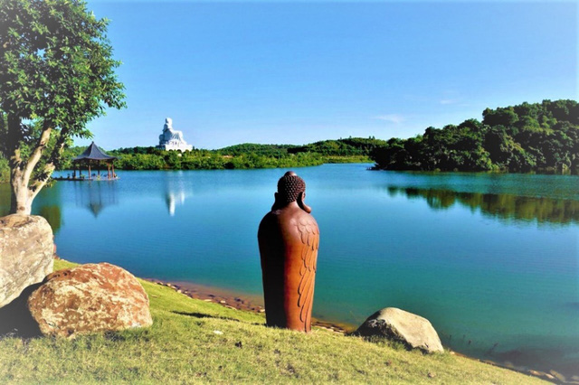 Nghĩa trang xuất hiện nhiều trong các bộ phim truyền hình ăn khách màn ảnh Việt - Ảnh 2.