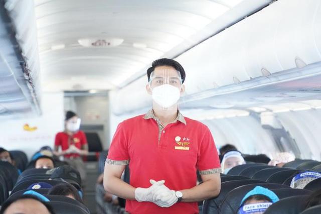 Những chuyến bay đầu tiên có gì mới - Ảnh 3.