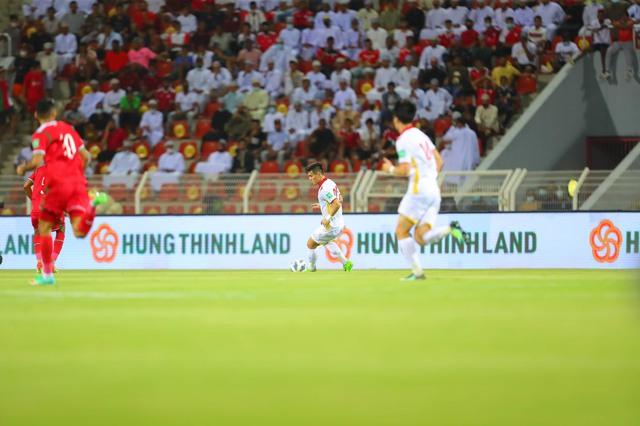 Doanh nghiệp địa ốc sát cánh cùng bóng đá Việt Nam - Ảnh 1.