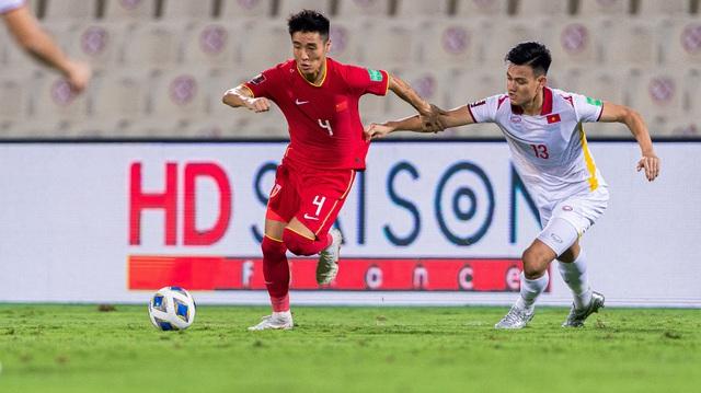 Doanh nghiệp địa ốc sát cánh cùng bóng đá Việt Nam - Ảnh 2.