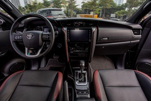 Toyota Fortuner Legender, lựa chọn phong cách cho doanh nhân trẻ - Ảnh 1.