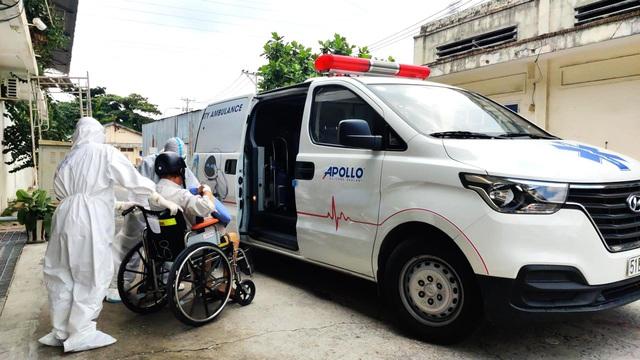 60 ngày nghĩa tình của Đội xe cứu thương tình nguyện Apollo Silicone - Ảnh 2.