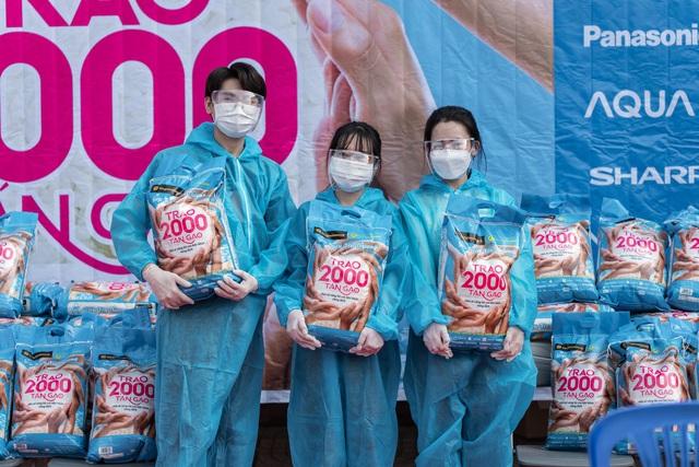 Thế giới di động & Điện máy Xanh trao tặng 2.000 tấn gạo, triệu bữa ăn no - Ảnh 2.