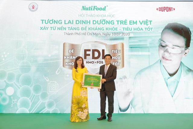 Nutifood GrowPLUS+ được vinh danh Sản phẩm tiêu biểu TP.HCM năm 2020 - Ảnh 1.