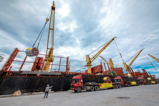 Tập đoàn Hoa Sen nhộn nhịp các hoạt động xuất khẩu xuyên Tết Tân Sửu 2021 - Ảnh 1.