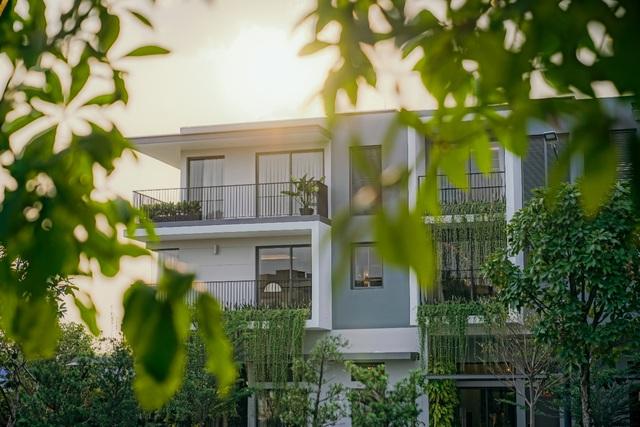 Tận hưởng không gian sống phong cách resort tại khu biệt lập The Standard - Ảnh 1.