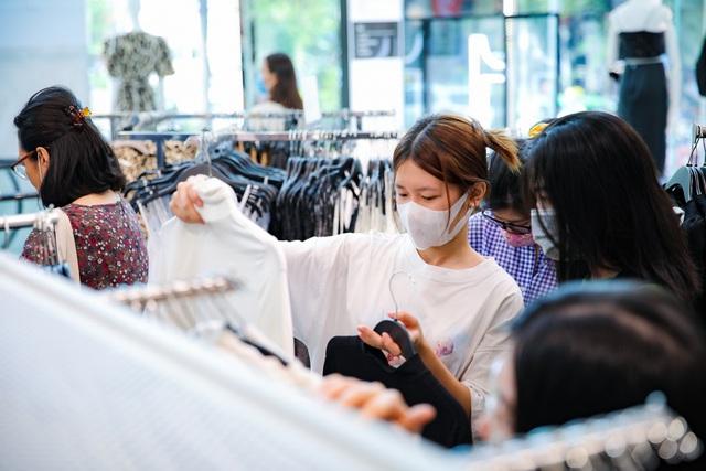 """Việt Nam trở thành """"miền đất hứa"""" cho các thương hiệu bán lẻ quốc tế trong năm 2021? - Ảnh 2."""
