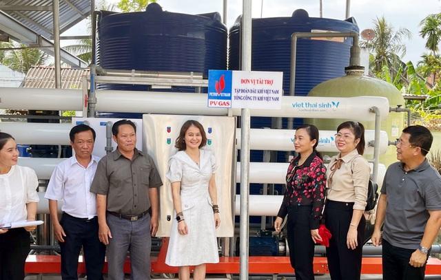 PV GAS trao tặng thêm 2 hệ thống lọc nước ngọt tại Bến Tre - Ảnh 2.