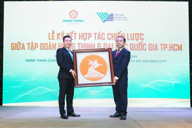 Tập đoàn Hưng Thịnh và ĐHQG-HCM ký kết hợp tác chiến lược - Ảnh 4.
