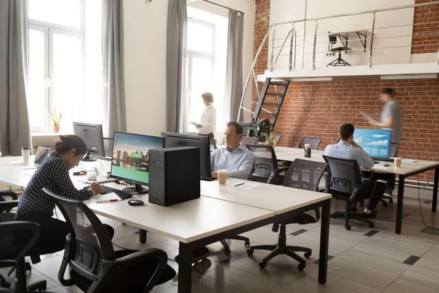 Vì sao doanh nghiệp cần máy tính đồng bộ và laptop riêng biệt? - Ảnh 1.
