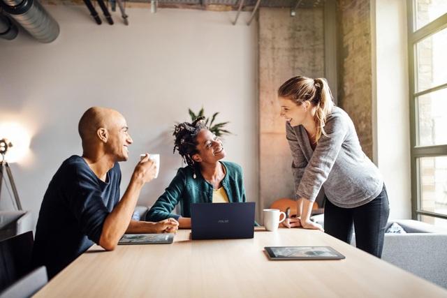 Vì sao doanh nghiệp cần máy tính đồng bộ và laptop riêng biệt? - Ảnh 3.