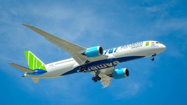 Bamboo Airways nâng hạng thương gia, tặng voucher miễn phí cho khách bay - Ảnh 1.