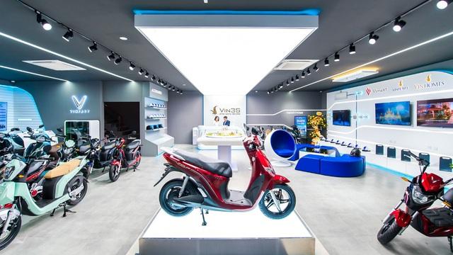 Khai trương 64 showroom xe máy điện VinFast kết hợp trung tâm trải nghiệm Vin3S toàn quốc - Ảnh 2.
