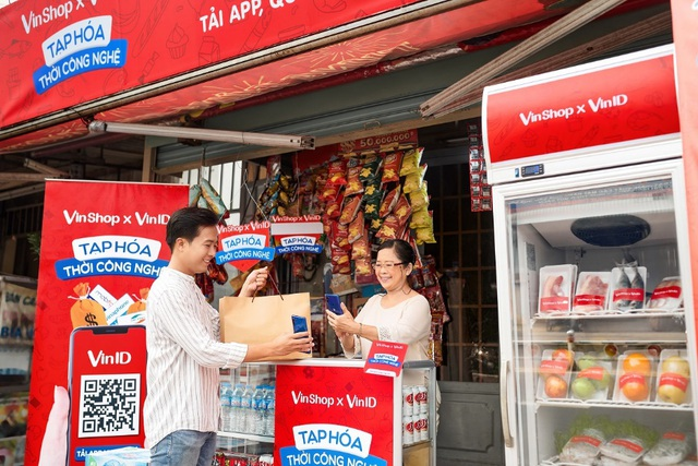 VinShop tặng gói bảo hiểm sức khỏe cho 65.000 chủ tạp hóa - Ảnh 1.