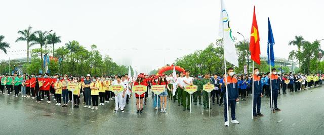 """Hơn 2000 người tham gia giải chạy Nagakawa """"Khỏe để lập nghiệp và giữ nước"""" - Ảnh 2."""