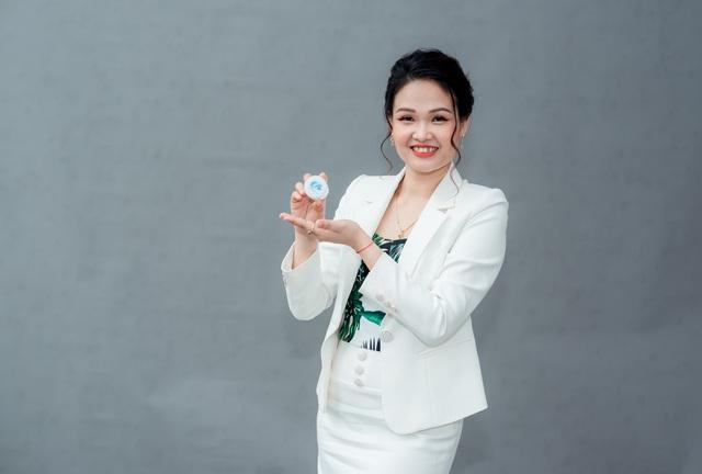 Giám đốc Vân Đặng cùng Công ty TNHH Đông dược Bà Vân chinh phục người tiêu dùng - Ảnh 2.