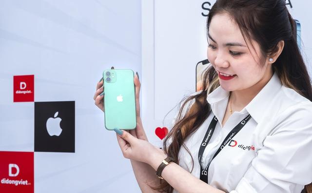 iPhone 11 là model bán chạy nhất trong tháng 2 - Ảnh 1.