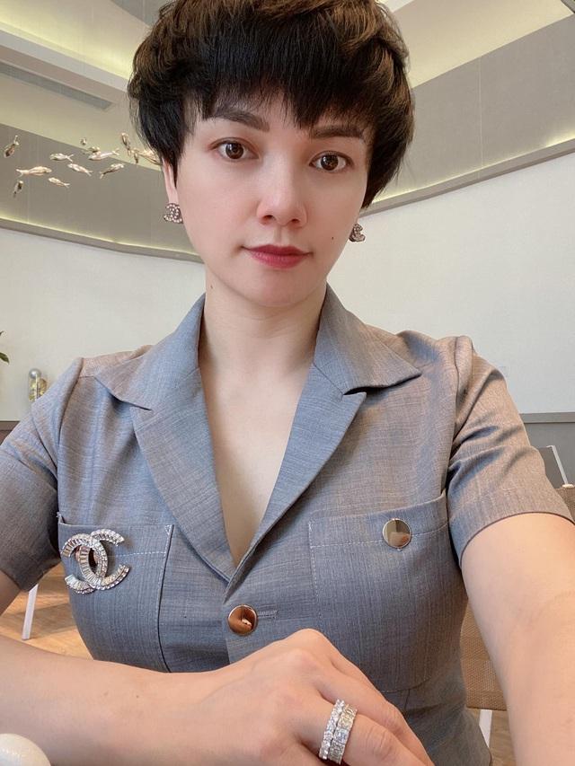 Cô chủ Nguyễn Thị Thơ - Từ bà mẹ bỉm sữa đến doanh nhân thành công với cửa hàng thời trang - Ảnh 4.