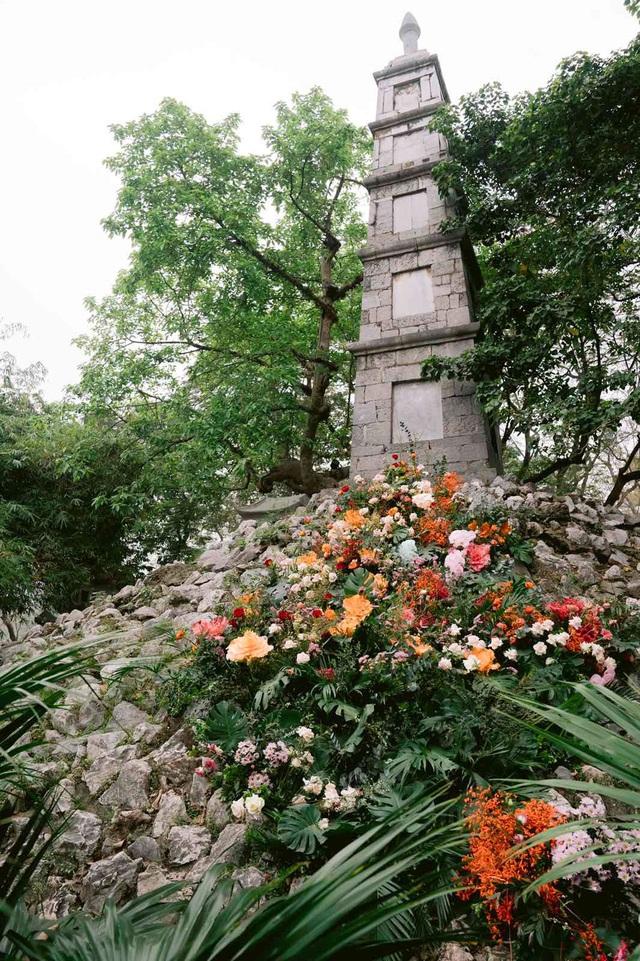 """Hơn 100 cột đèn """"nở hoa"""" giữa trung tâm Hà Nội - Ảnh 4."""