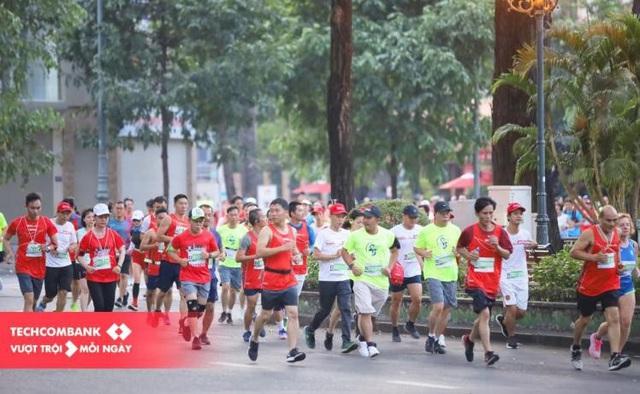 """Nhịp sống sau dịch: Hơn 13.000 vận động viên cùng Techcombank lan tỏa tinh thần """"Vì Một Việt Nam Vượt Trội"""" - Ảnh 1."""