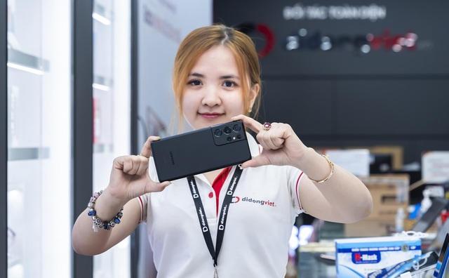 Galaxy S21 PLus 5G, S21 Ultral 5G giá chỉ từ 16.6 triệu sau 3 tháng mở bán - Ảnh 1.