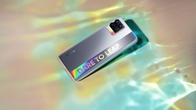 Trình làng điện thoại cao cấp với siêu camera đỉnh cao, realme gây ấn tượng trong thị trường di động tháng 4 - Ảnh 3.