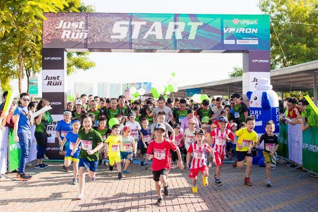 """Giải chạy """"Just Run - Vì một Việt Nam khỏe mạnh và thịnh vượng"""" - Ảnh 1."""