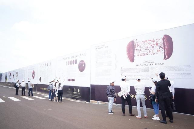 Công trường xây dựng trở thành đại triển lãm cà phê ngoài trời - Ảnh 2.