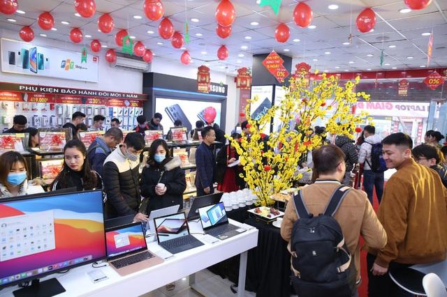 Tốc độ tăng trưởng laptop tại FPT Shop đang đứng đầu thị trường bán lẻ - Ảnh 1.