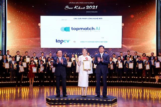 TopCV nhận cú đúp giải thưởng Sao Khuê 2021 - Ảnh 2.