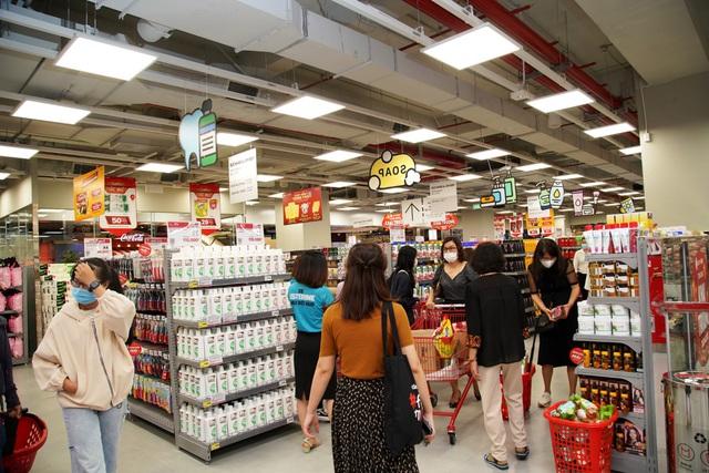 """LOTTE Mart Gold Coast Nha Trang """"hút"""" khách ngay tuần đầu khai trương - Ảnh 3."""