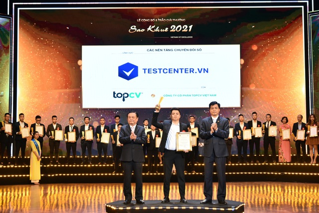 TopCV nhận cú đúp giải thưởng Sao Khuê 2021 - Ảnh 3.