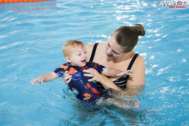 Khác biệt với bơi sinh tồn Aqua-Tots chuẩn Mỹ tại ASC Education - Ảnh 1.