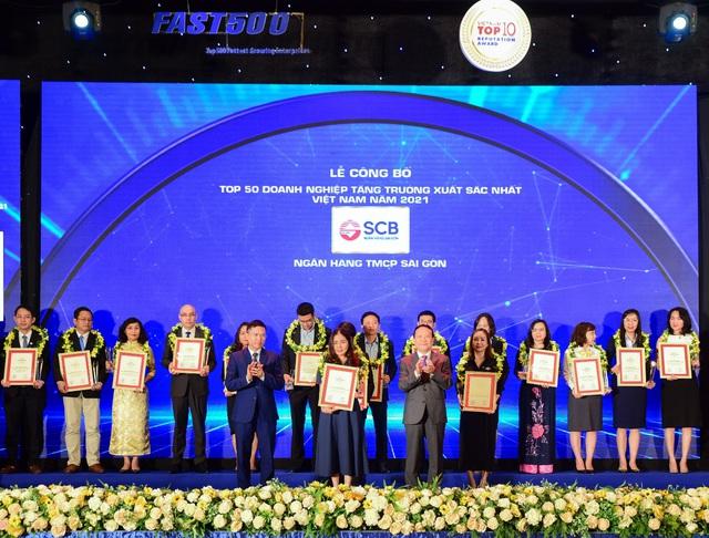 SCB vào Top 50 Doanh nghiệp tăng trưởng xuất sắc nhất Việt Nam 2021 do Vietnam Report bình chọn - Ảnh 1.