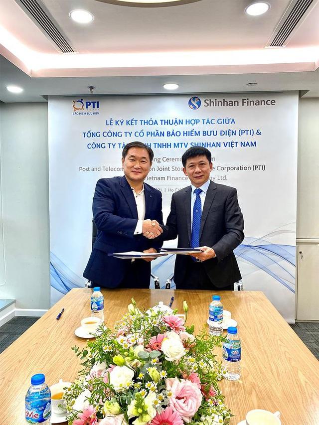 PTI và Shinhan Finance ký kết hợp tác toàn diện - Ảnh 1.