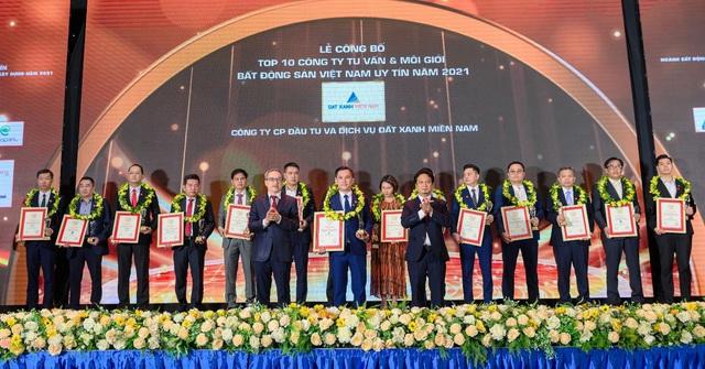 Đất Xanh Miền Nam đạt Top 10 công ty BĐS Việt Nam uy tín năm 2021 - Ảnh 2.