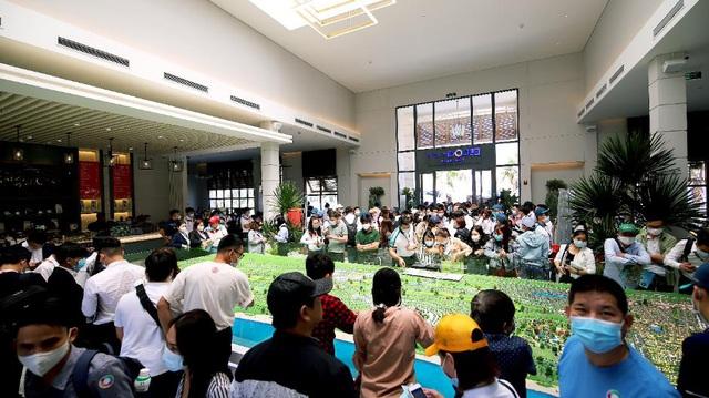 Du khách tấp nập khám phá loạt tiện ích vừa ra mắt tại NovaWorld Phan Thiet - Ảnh 3.