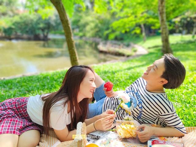 Sử dụng realme 8 cưa đổ crush khi đưa đi picnic chụp ảnh cuối tuần - Ảnh 1.
