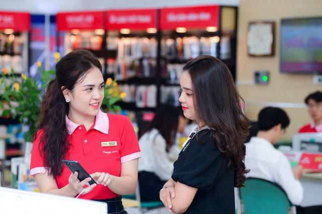 Viettel Store tung nhiều ưu đãi, giảm sâu Smartphone, Phụ kiện... mừng đại lễ - Ảnh 1.