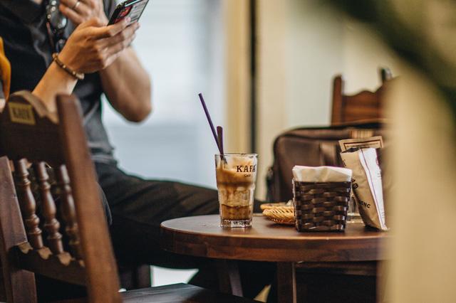 """Có một Kafa Café luôn """"bình thường"""" - Ảnh 2."""