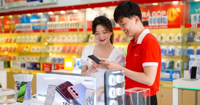 Viettel Store tung nhiều ưu đãi, giảm sâu Smartphone, Phụ kiện... mừng đại lễ - Ảnh 3.