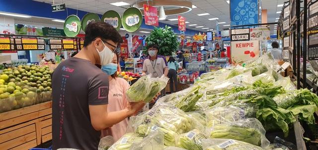Hệ thống siêu thị Co.opmart rầm rộ giảm giá các mặt hàng giải nhiệt - Ảnh 1.
