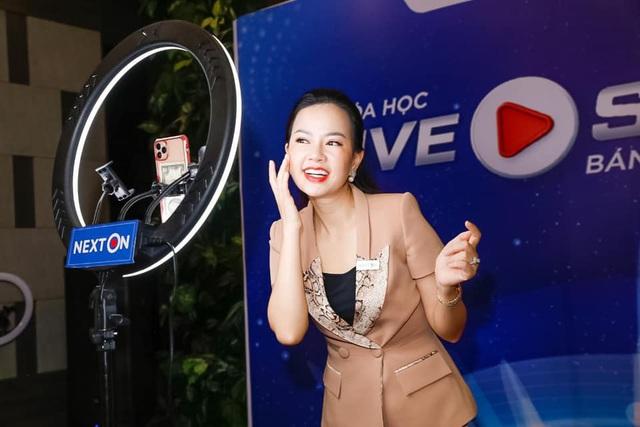 """Doanh nhân Nguyễn Huệ Chi """"Muốn thành công, hãy dẫn đầu xu hướng"""" - Ảnh 1."""
