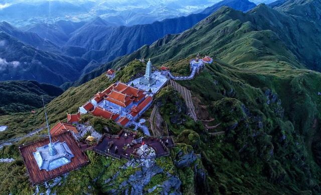 Đằng sau bộ sưu tập giải thưởng uy tín nổi danh thế giới của du lịch Việt Nam - Ảnh 1.