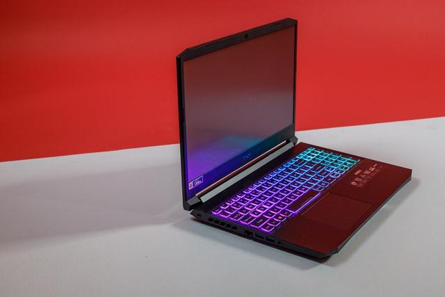 Acer Nitro 5 là một trong những laptop trang bị vi xử lý Intel Core i thế hệ 11 đầu tiên tại Việt Nam, giá từ 23,49 triệu đồng - Ảnh 3.
