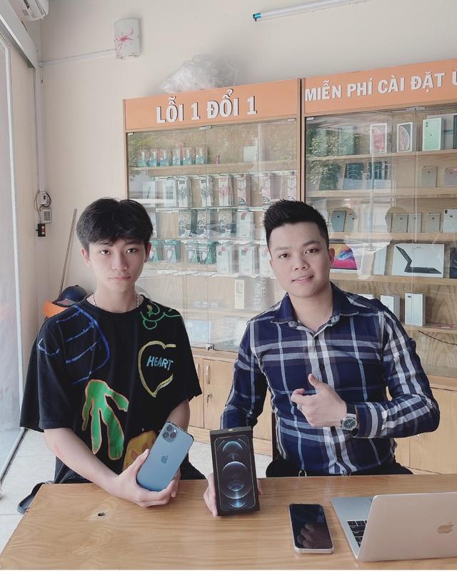Chủ cửa hàng điện thoại chia sẻ kinh nghiệm cho người muốn mua máy cũ - Ảnh 4.