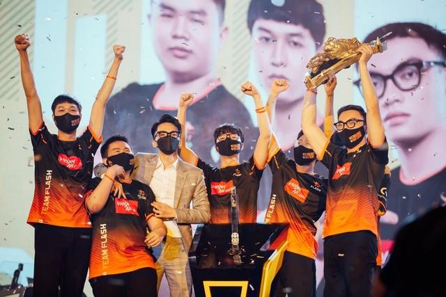 Gấu, ADC và ProE nói gì sau khi Team Flash ẵm trọn 4 giải thưởng cá nhân tại ĐTDV mùa Xuân 2021? - Ảnh 1.