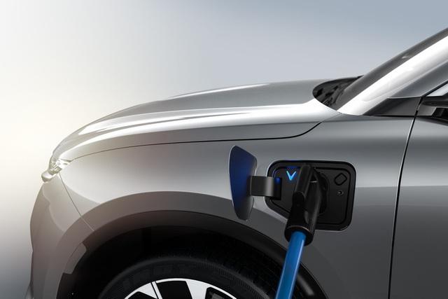 3 lợi ích vượt trội từ chính sách cho thuê pin ô tô điện của VinFast - Ảnh 1.