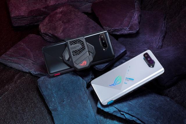 Game thủ đứng ngồi không yên khi ROG Phone 5 đã về Việt Nam - Ảnh 1.